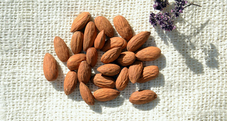 almond oil face mask