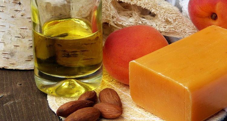 almond oil for dark circles