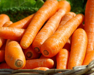 How to Use Carrot Oil for Hair and Skin – Try These Proven Recipes