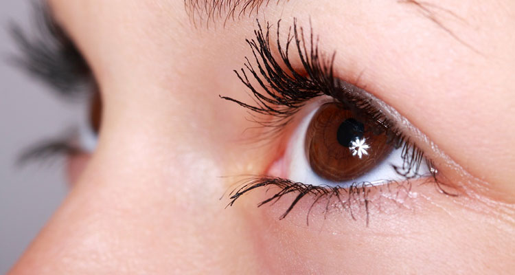 castor oil benefits for eyelashes