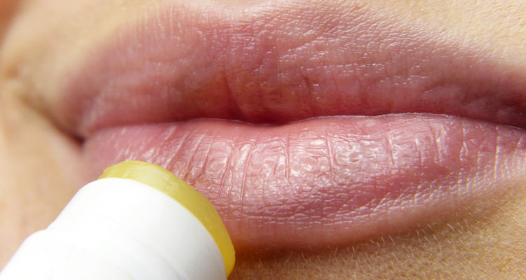 castor oil for lips